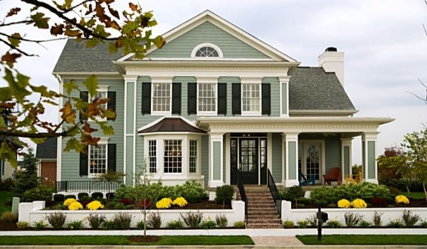 Good curb appeal can help in selling your house early